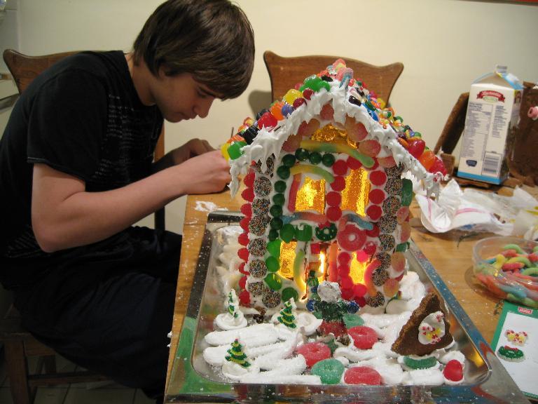 gingerbread_house_1759.jpg