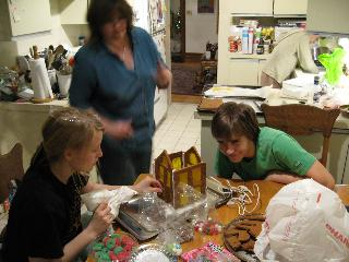 gingerbread_construction_1727.jpg
